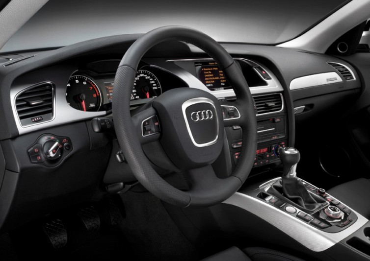 quality and flawless functionality: the interior of the Audi A4 allroad