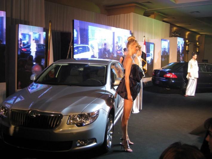Skoda Egypt shocks BMW and AUDI with new Superb   BMW reduces BMW